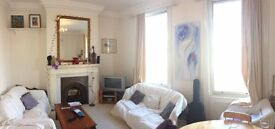 Large Double Room with Private Bathroom, Terrace and Garden, in Clapham Junction