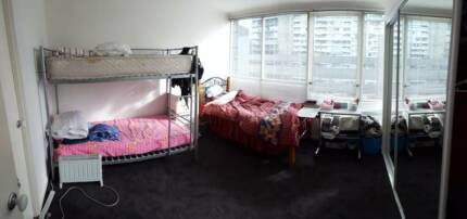 Girl roomate wanted into master room , 7min from Federation sq