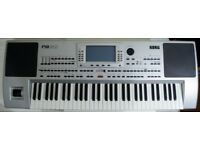 Korg PA80 Professional Arranger Keyboard WITH EXTRAS