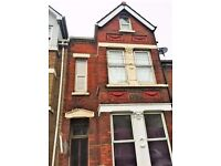 ★GILLINGHAM, JAMES STREET: 3 BEDROOM FLAT - CLOSE TO STATION + TOWN CENTRE ★