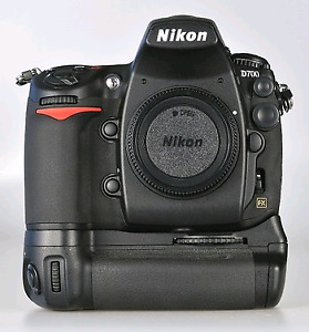 Nikon d700 with mbd10 grip 2 batteries, extra grip, mint! $825