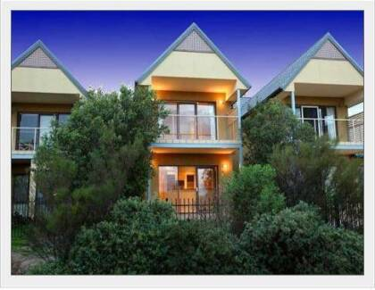 2 Rooms available in Point Cook for the price of 1