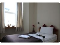 Al bills included ,ready to move spacious room next to westferry DLR