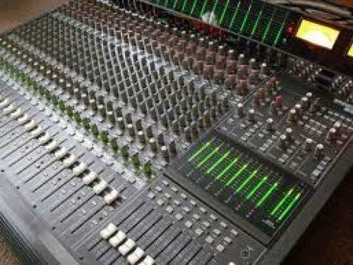 how to use a studio mixer
