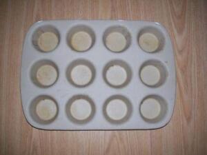 Pampered Chef Stoneware Muffin
