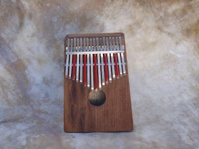 Hugh Tracey Kalimba Treble Diatonic Box mit Pickup 17 Zungen blau oder rot