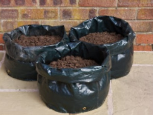 Free stuff in Thornhill backyard dirt soil packaged!! for free