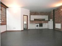 Live work unit to rent in warehouse 800sqft with open area kitchen, bathroom & 3rooms in E1Limehouse