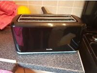 BREVILLE BLACK TOASTER GOOD AS NEW