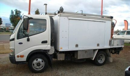 2004 Hino Dutro  White Traytop Bellevue Swan Area Preview