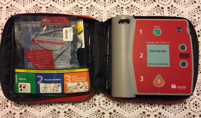 Laerdal AED Trainer 2 - Battery Pack, Case, Pads, Booklet - VG Condition