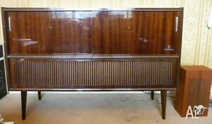 Circa 1960's Style Stereo Console for 80.00 London Ontario image 1