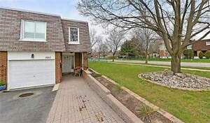 This Spacious 4 Bedroom Home In Erin Mills Has Been Maintained