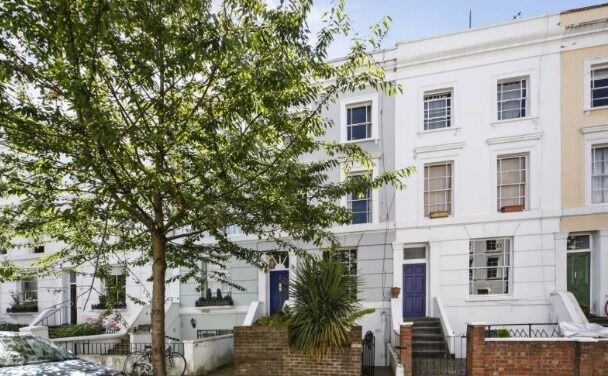 Quirky One bed flat on the Raised Ground Floor of a period property in Notting Hill.