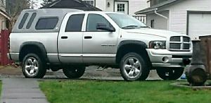 2005 Dodge Ram 4x4 5.7 Hemi Leather