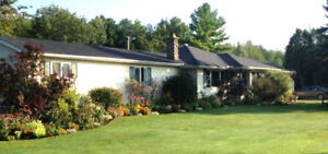 Country home - minutes to Brockville -- long term renters only
