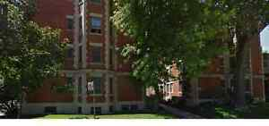 WESTMOUNT 4 1/2 Apartment - 2 Large Bedrooms - Lease Transfer