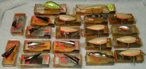 Vintage Lot of BOMBER FISH FISHING LURES LURE collection