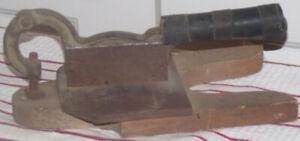 Coupe tabac antique fabriqué à Montréal en 1920