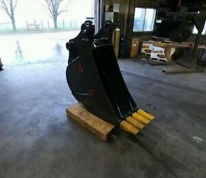 BACKHOE BUCKETS, VARIOUS SIZES, CANADIAN BUILT