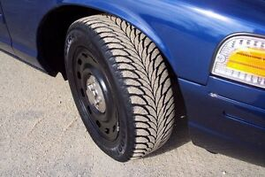 2 Pneus Hiver - 2 Winter Tire (((Goodyear Ultra Grip 225/60R 16)