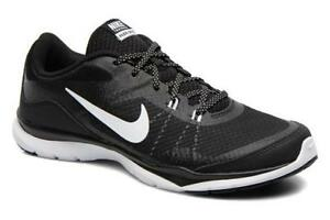 Women's Nike Black and White Flex Trainer 5 Running Shoe. NEW