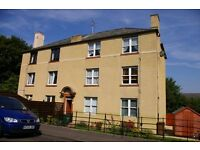 2 Dbl Bed 2nd Floor Flat - Clearburn Crescent