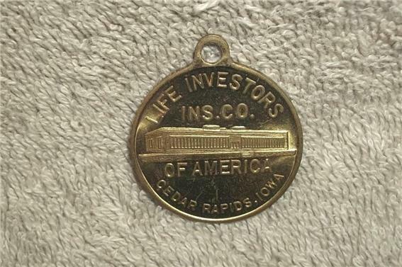 VINTAGE LIFE INVESTORS INSURANCE CO. of AMERICA MEDAL KEY FOB CEDAR RAPIDS IOWA