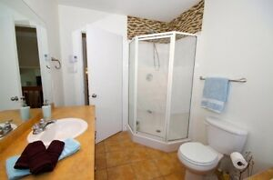 BEAUTIFUL ROOM, HOME, INTERNET, VERY PRIVATE SHARE WITH  FEMALE