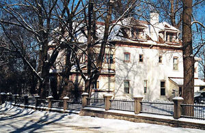 130 year old Mansion - Single Family, 40 minutes from Ottawa