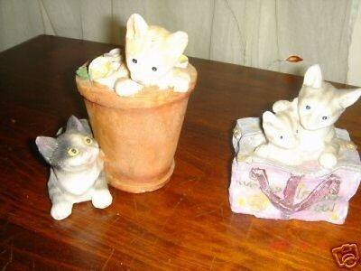 2 playfull cat figurine in gift box decor