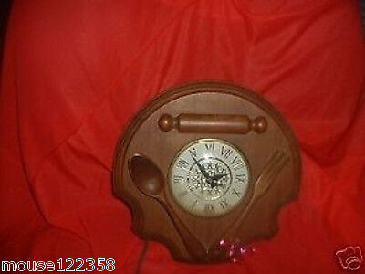 Vintage Wooden Spoon Fork wall clock   kitchen Hanging