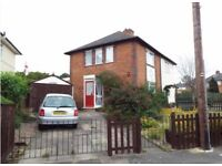 THREE BEDROOM*DSS ACCEPTED*PARTLY FURNISHED*MANY SCHOOLS NEAR*JUST OFF WARWICK ROAD*WETHERFIELD ROAD
