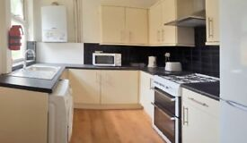 4 BED PROPERTY TO RENT - RUSHOLME GROVE- ATTENTION STUDENTS