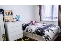 MOVE IN TODAY!!!! DOUBLE ROOM FOR RENT IN BRICK LANE (ALL BILLS INCLUDED)