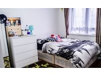 AVAILABLE NOW!!! DOUBLE ROOM FOR RENT IN BRICK LANE (ALL BILLS INCLUDED)