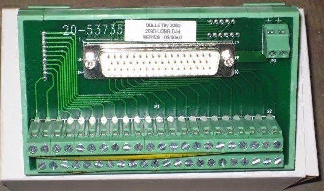 ALLEN BRADLEY 2090-U3BB-D44 BREAKOUT SER B PCB CIRCUIT BOARD
