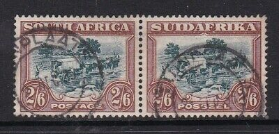 SOUTH AFRICA 1927 2/6d RECESS-PRINTED FINE USED HORIZONTAL PAIR (FAULT)