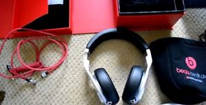Beats pro silver with black covers, great condition