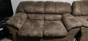Couch - 3 (with recliner) + 2 + 1 (recliner) - pick up
