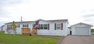 INVITING OFFERS! 12 BAYBERRY - PINE TREE PARK - GARAGE! $65,000!