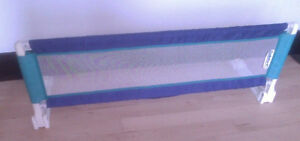 Safety 1st bed guard rail, excellent condition