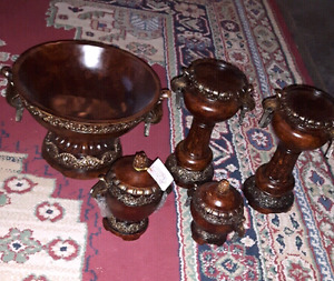 Beautiful Brand New Home Deco/ Accents Dark Brown