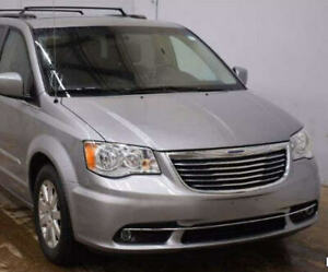 2015 Chrysler Town & Country Minivan, priced to sell