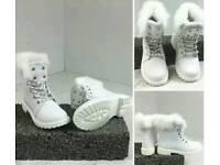 White Faux fur Grip Soul Boots