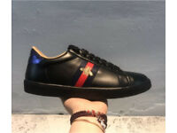 Black leather Gucci Bee Trainers