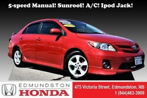 2011 Toyota Corolla S 5-speed Manual! sunroof! A/C