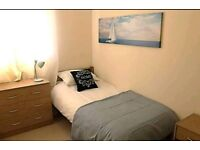 Single room only 2 minutes WALK from Gants Hill Station 10 minutes to Stratford Crossrail
