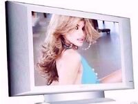 """Philips 26PF4310/10 HD Ready 26"""" Flat LCD TV. Includes Stand,Remote and Batteries, Power Lead."""