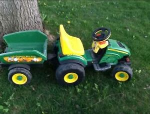Peg Perego - John Deere Farm Tractor with Trailer